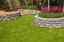 004_landscaping_and_yard_makeovers