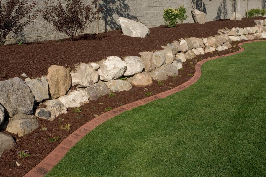 Garden edging kerbing for Rock wall garden designs